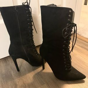 Never worn pointy heeled boots. So cute!